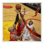 MIAMI, FL - 24 DE MAYO: LeBron James #6 de la Miam Póster
