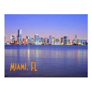 Miami, la ciudad mágica en el amanecer tarjeta postal