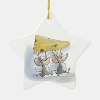Mic y mac que traen en el ornamento de la estrella adorno navideño de cerámica en forma de estrella
