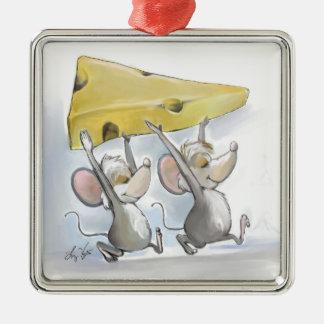 Mic y mac que traen en el ornamento del cuadrado adorno navideño cuadrado de metal