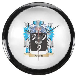 Miche Coat of Arms - Family Crest Aquarium Clock