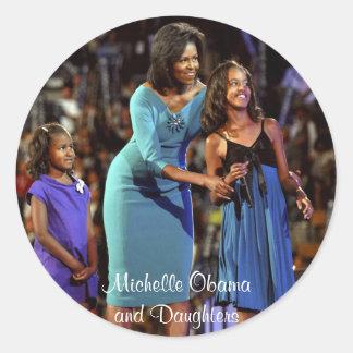 Michelle Obama e hijas Pegatinas Redondas
