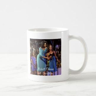 Michelle Obama e hijas Tazas