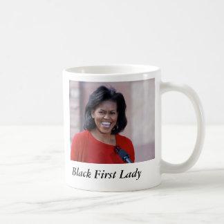 Michelle obama, primera señora del negro taza básica blanca