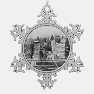 Michigan Avenue in Chicago (1911) Ornament