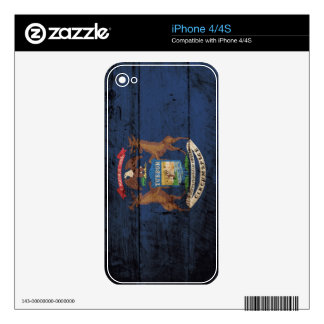 Michigan State Flag on Old Wood Grain Skins For iPhone 4