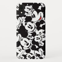 Mickey & Friends | Classic Mickey Pattern iPhone XR Case