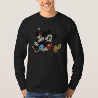 Mickey & Minnie   Classic Pair Sitting T-Shirt
