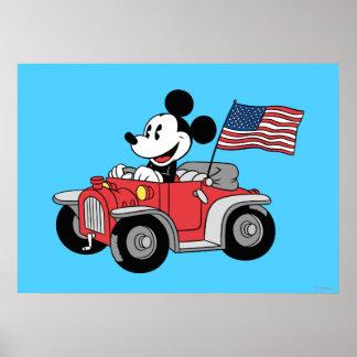 Mickey Mouse patriótico en convertible rojo Póster