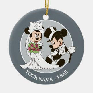 Mickey Mouse y boda de Minnie Adorno Navideño Redondo De Cerámica