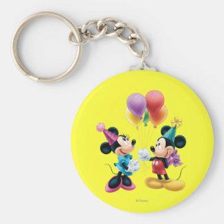 Mickey Mouse y cumpleaños de Minnie Llavero Redondo Tipo Pin