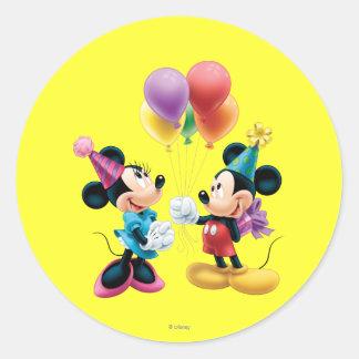 Mickey Mouse y cumpleaños de Minnie Etiqueta Redonda