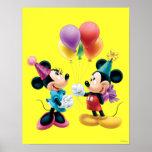 Mickey Mouse y cumpleaños de Minnie Poster