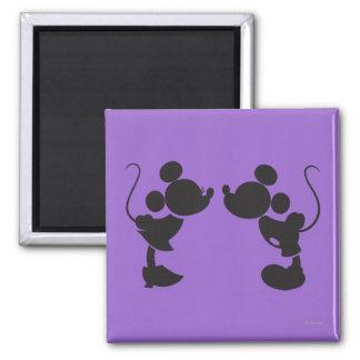 Mickey Mouse y silueta de Minnie Imán Cuadrado