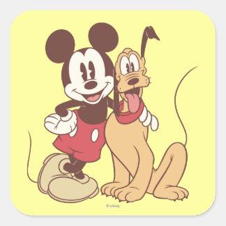 Mickey y amigos el   Mickey y Plutón clásicos Pegatina Cuadrada