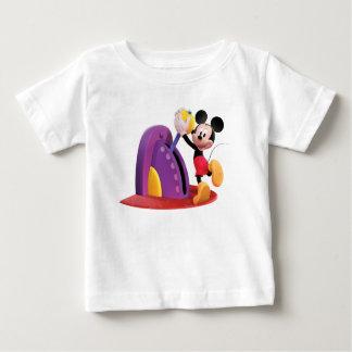 Mickey y amigos Mickey que tira de la palanca Playeras