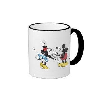 Mickey y amigos Mickey y el besarse de Minnie Taza De Dos Colores