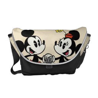 Mickey y Minnie que llevan a cabo las manos Bolsas De Mensajería
