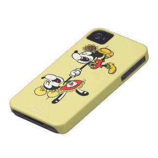 Mickey y Minnie que llevan a cabo las manos iPhone 4 Carcasas