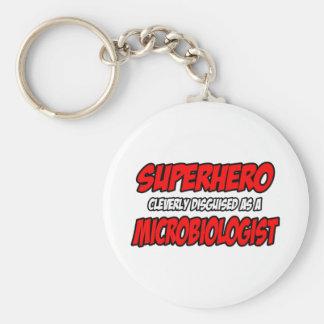 Microbiólogo del super héroe… llaveros