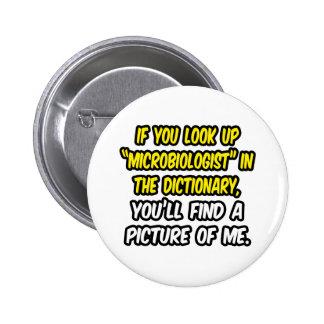 Microbiólogo en diccionario… mi imagen pin redondo de 2 pulgadas