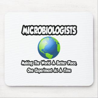 Microbiólogos… que hacen el mundo un mejor lugar tapete de ratón