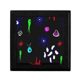 microbios en negro joyero cuadrado pequeño