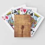 Micrófono del vintage baraja cartas de poker