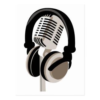 Micrófono del vintage con los auriculares postales