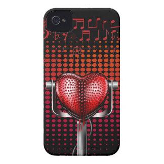 Micrófono del vintage del corazón de la música iPhone 4 cárcasa