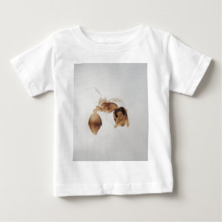 Microscope photo of an ant baby T-Shirt