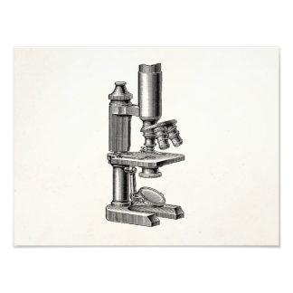 Microscopio antiguo viejo del equipo de la ciencia arte fotografico