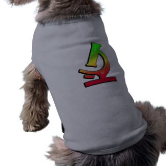 Microscopio liso camisa de perro