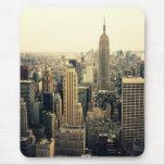 Midtown del horizonte de New York City Tapetes De Ratones