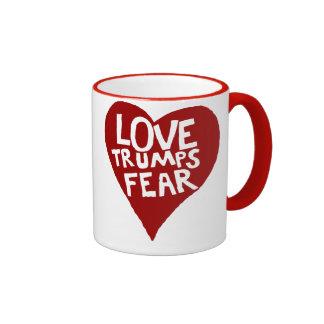 Miedo de los triunfos del amor taza de dos colores