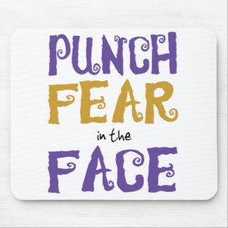 Miedo del sacador en la cara mousepads