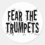 Miedo divertido el regalo de las trompetas etiqueta