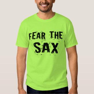 Miedo divertido la camiseta del saxofón playera