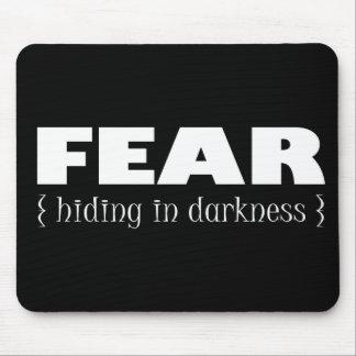 Miedo - ocultando en oscuridad tapete de raton