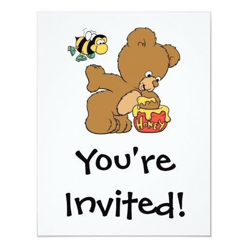 """Miel que se escabulle del oso divertido invitación 4.25"""" x 5.5"""""""