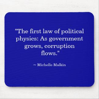 Mientras que el gobierno crece, la corrupción fluy tapete de raton