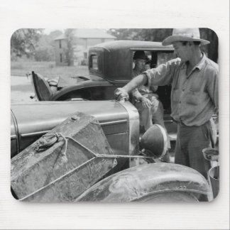 Migrant Fruit Worker Cars, 1940 Mouse Pad
