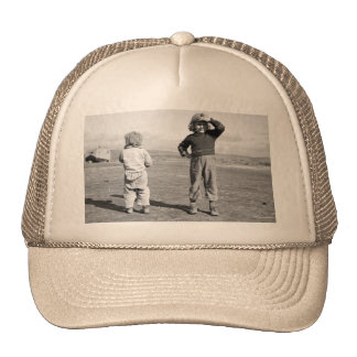 Migrant kids – 1939 hat
