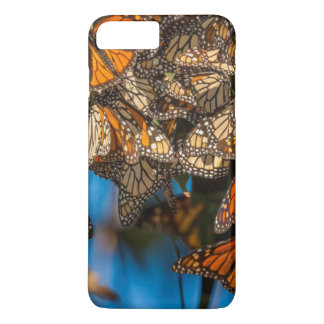 Migrating monarch butterflies cling to leaves iPhone 8 plus/7 plus case