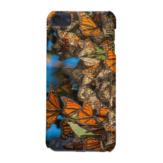 Migrating monarch butterflies cling to leaves iPod touch 5G case