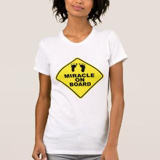 """Milagro a bordo"" la camiseta del embarazo Polera"