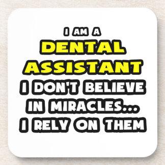 Milagros y ayudantes de dentista… divertidos posavasos de bebida