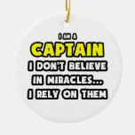 Milagros y capitanes… divertidos ornamentos de reyes
