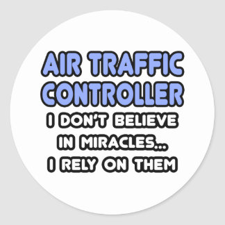 Milagros y controladores aéreos pegatina redonda