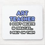 Milagros y profesores de arte tapetes de ratón